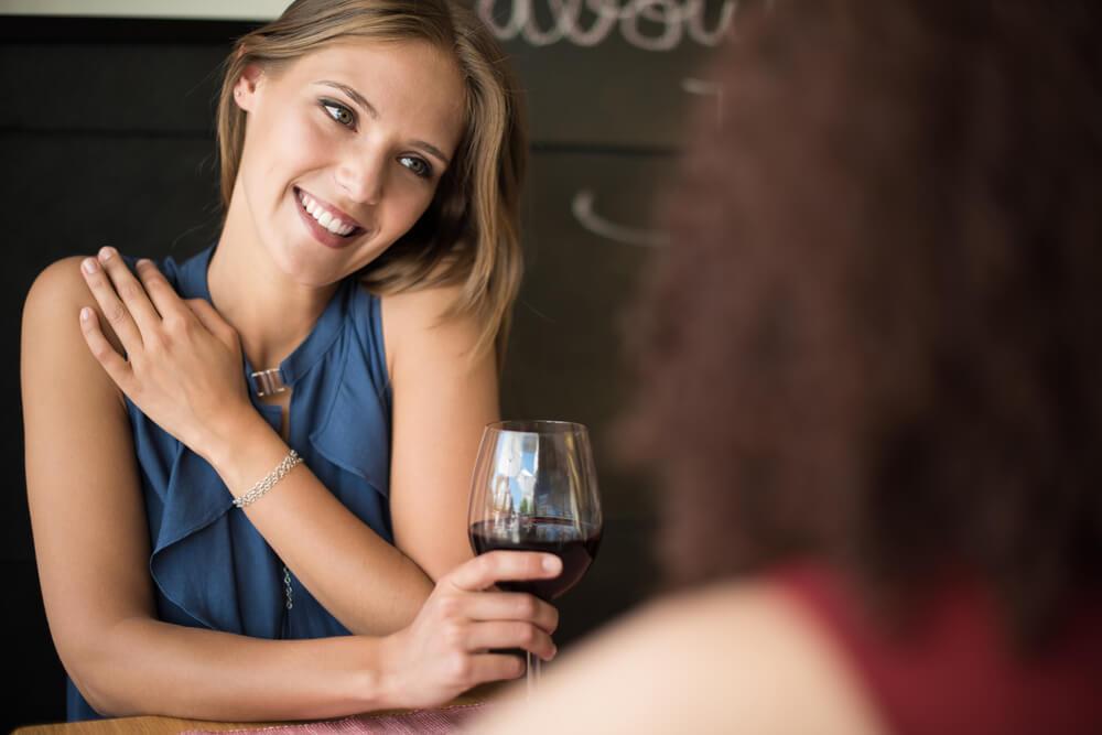 心配!お酒が弱い彼女に飲み会でのお酒を控えてもらう方法