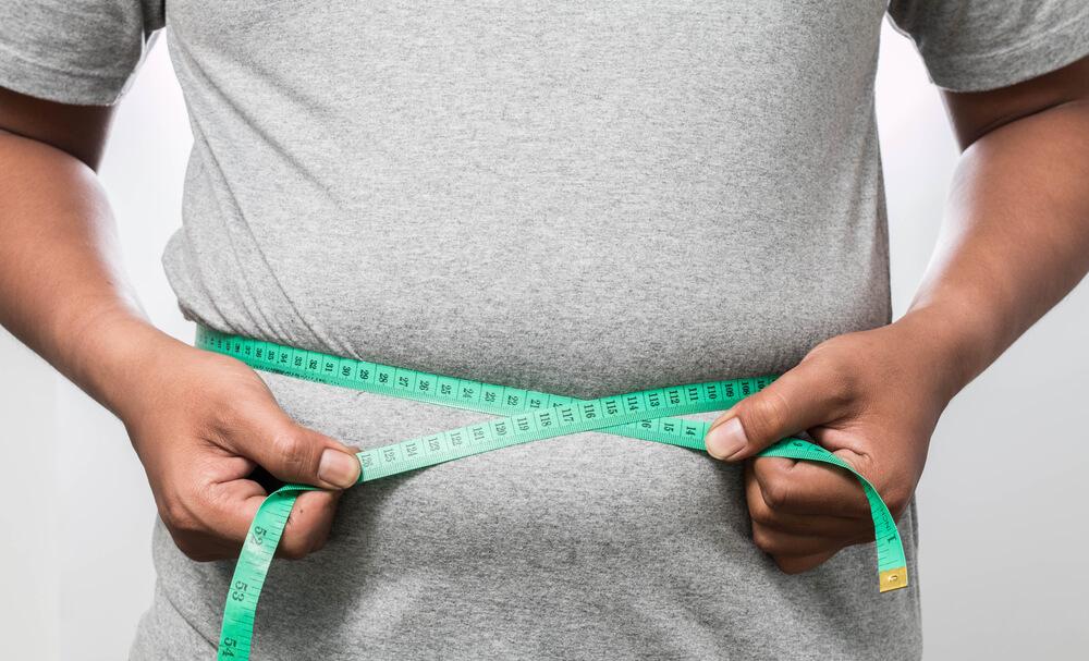 アラサー男性のお腹の脂肪はなくせる!? 原因を知って簡単お腹痩せを