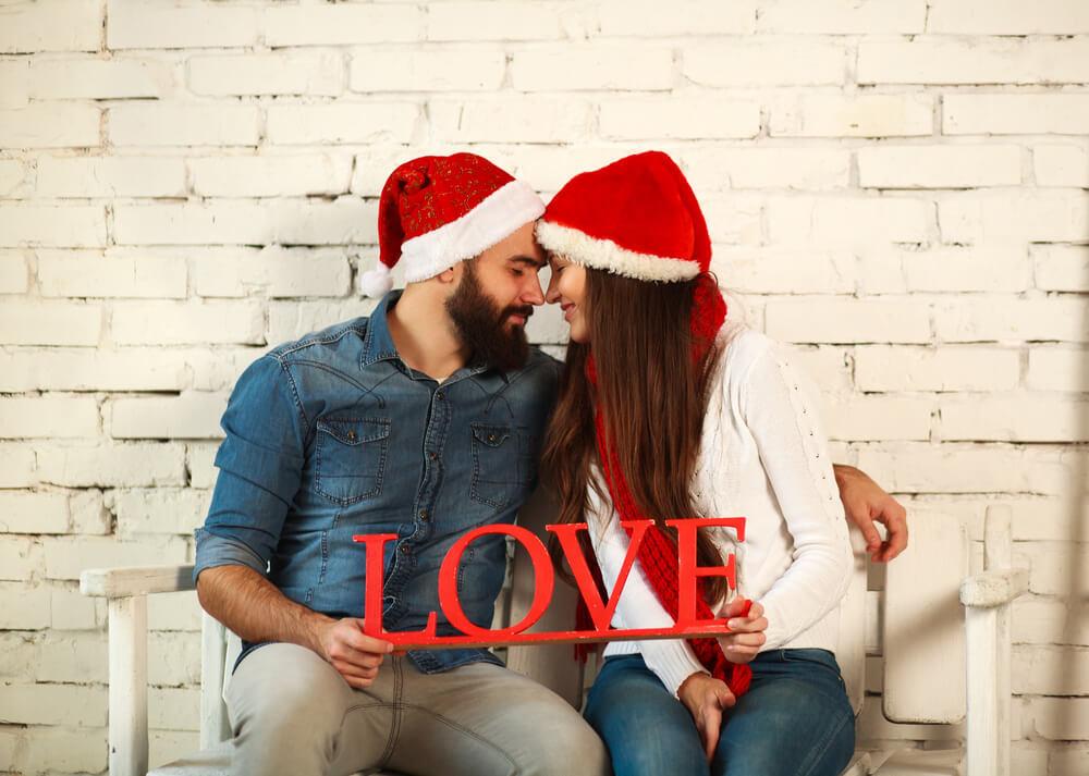 クリスマスに彼女をドキッ♡とさせるプレゼントの渡し方