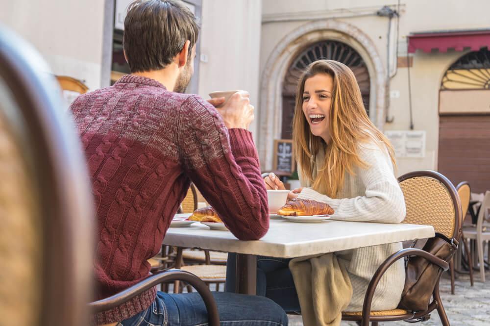 そろそろ告白したいなら…デートを重ねている女子の脈あり態度とは?