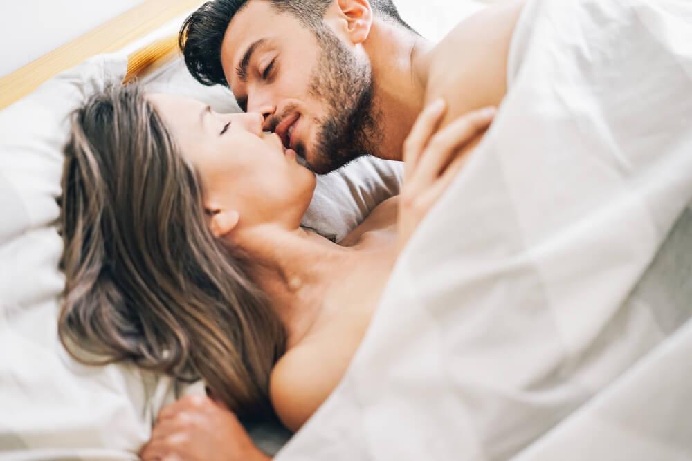 セックスの後何してる…?女性の理想のアフターセックス