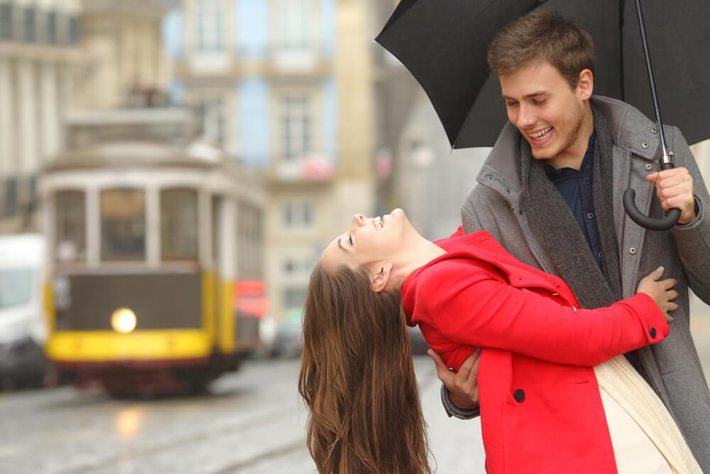 雨の日のデートでしたいこと1位は映画!雨の日が楽しくなるデート方法