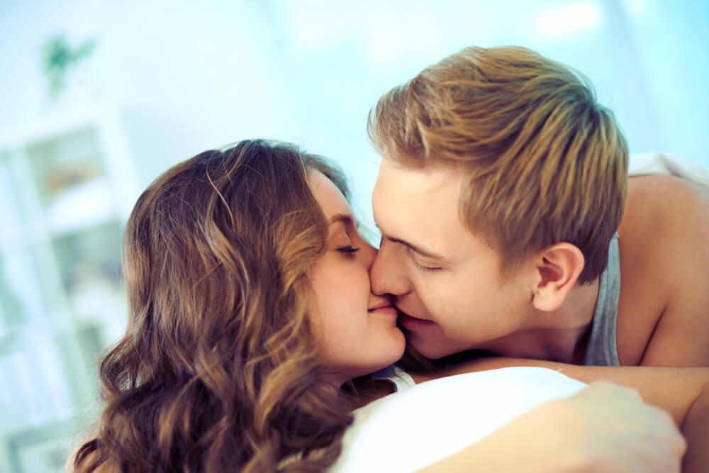 これって脈あり?付き合っていないのにキスする女性の心理