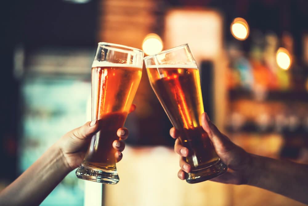 サシ飲みで親密度UP♡居酒屋デートを成功させるコツ