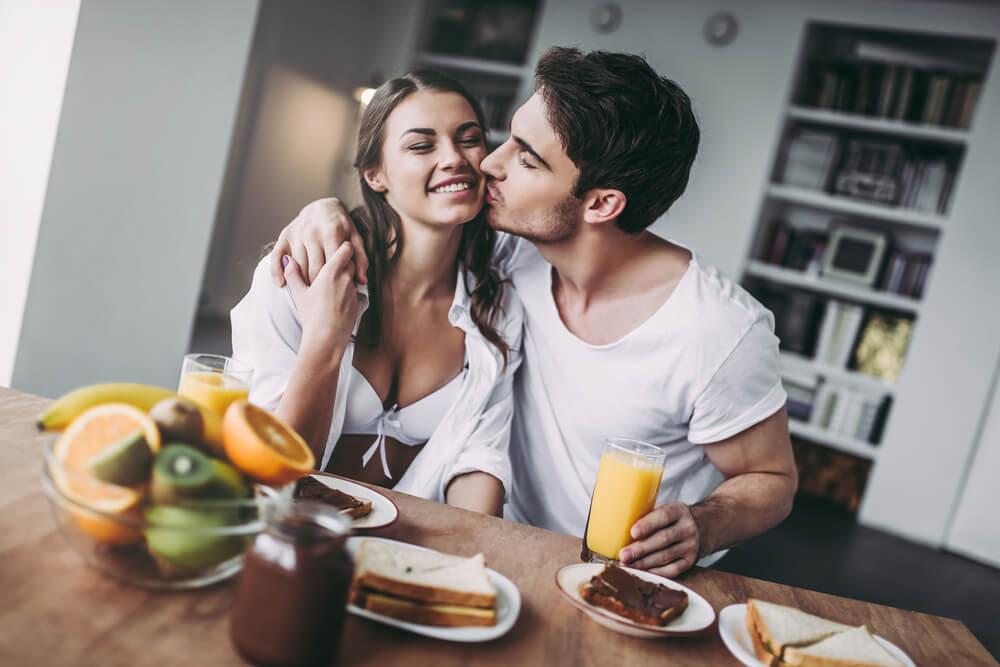 【同棲カップル必見】彼女との幸せが長続きする朝の習慣はこれ!