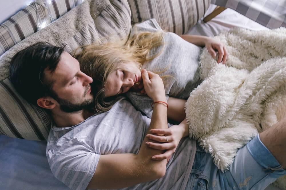 失恋が狙い目?女子が失恋のあと新恋人に選ぶ男性のタイプ