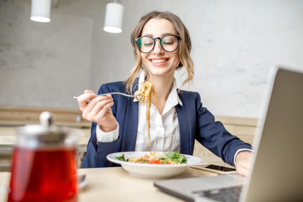 女はサラダとイタリアンばかり食す生き物だと勘違いしていませんか?