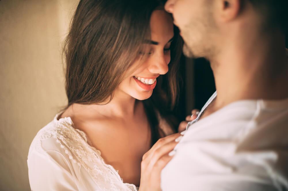仕事終わりやデートの帰り道…女子が彼氏に甘えたくなる瞬間